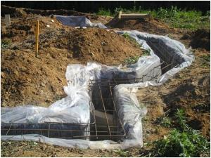 Гидроизоляция, армирование щелевого фундамента