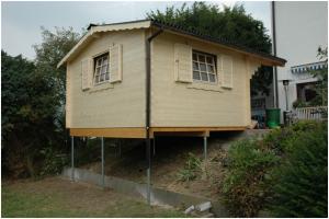 Свайно-винтовой фундамент для дома на склоне