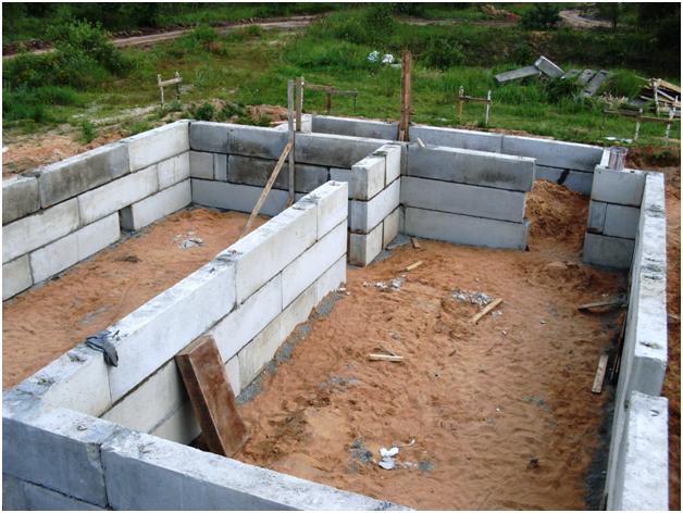 Фундамент из бетонных блоков своими руками видео